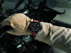 H64605531_Khaki Pilot Day Date_Lifestyle 2 HR