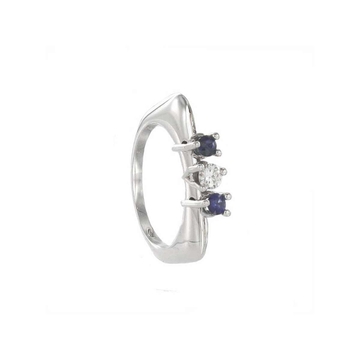 RING 2 SAPPHIRES AND DIAMOND WITH MOVEMENT