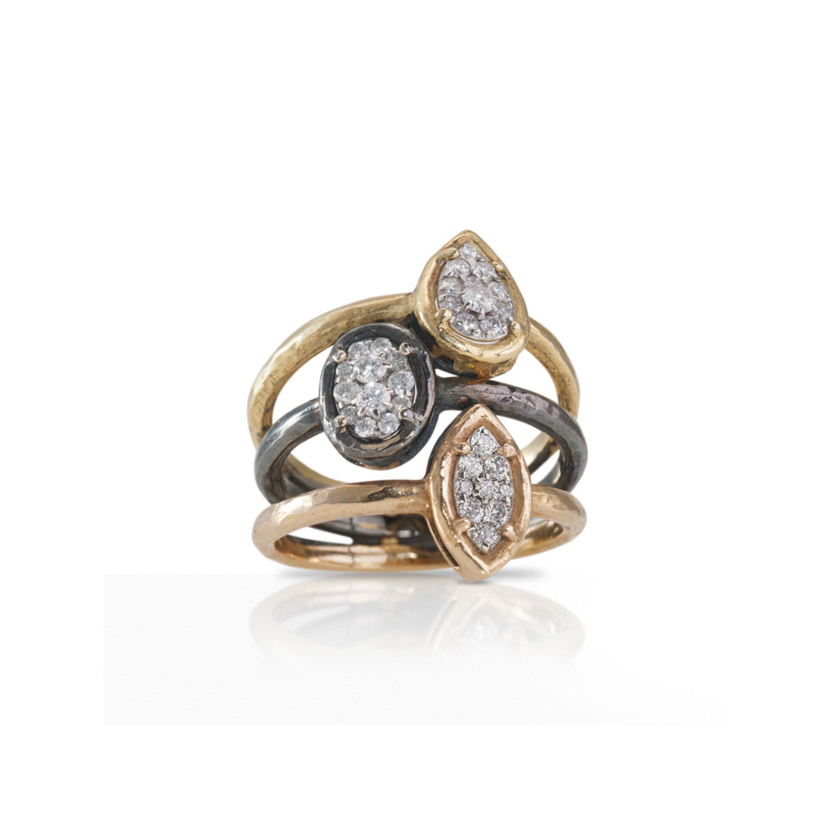 TRIPLE RING IN GOLD AND DIAMONDS